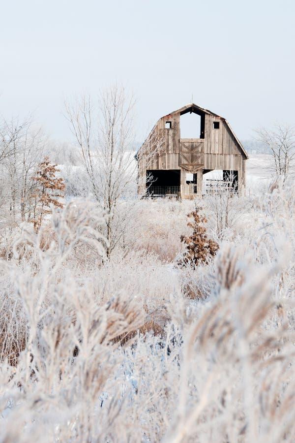 Амбар зимы стоковое изображение rf