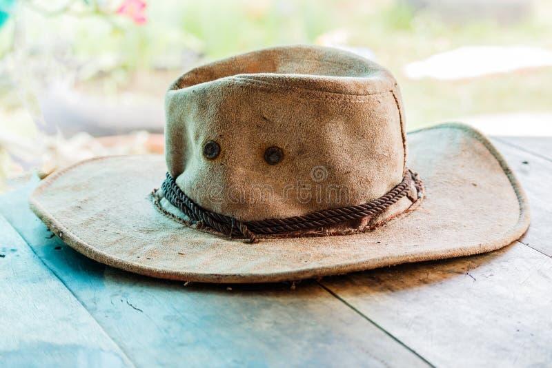 Американская западная фетровая шляпа ковбоя родео и подлинное кожаное wester стоковые фотографии rf