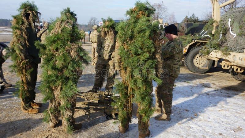 Американские солдаты и воинское оборудование для маневров в Польше стоковые фото