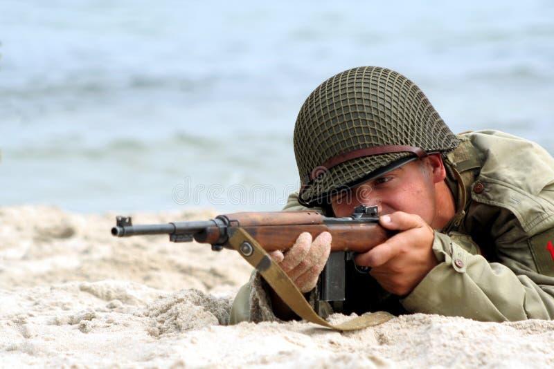 американский воин стрельбы стоковые изображения