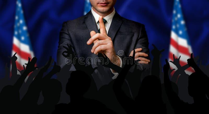 Американский выбранный говорит к толпе людей стоковая фотография rf