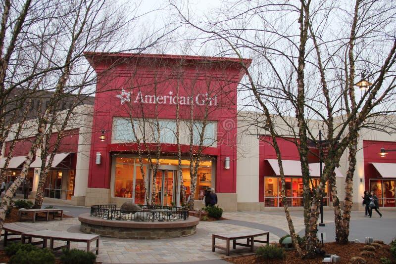 Американский магазин девушки стоковые фотографии rf