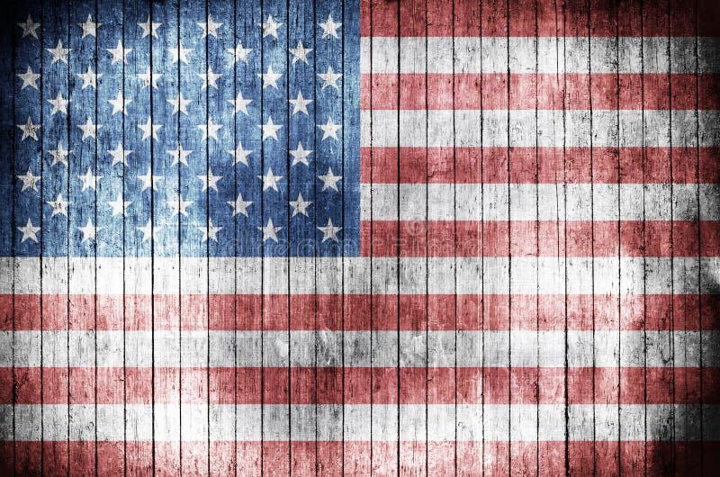 Американский флаг на деревянной предпосылке стоковое фото
