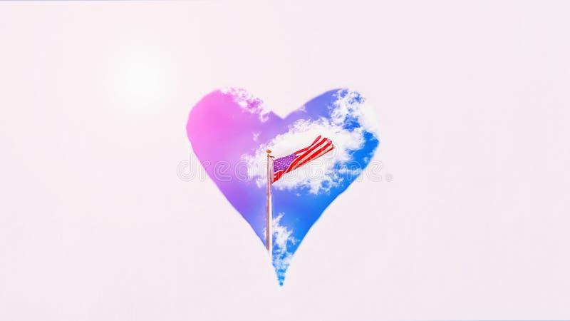 Американский флаг на предпосылке голубого неба в сердце Пастельная предпосылка, космос экземпляра День независимости формат 16:9  стоковая фотография rf