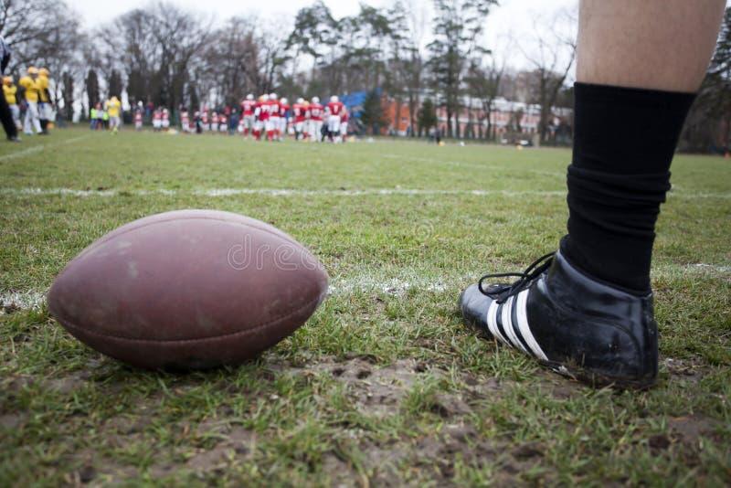Американский футбол - шарик стоковые фото