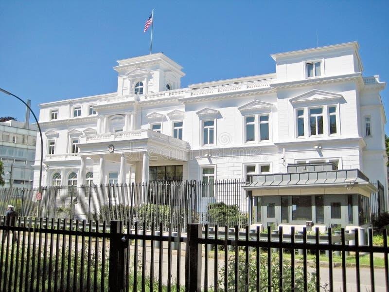 Американское генеральное консульство в Гамбурге, Германии стоковые фото