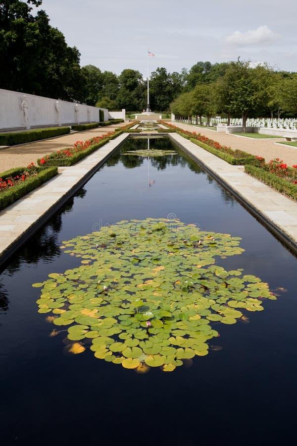 американское кладбища война пруда lilly стоковое фото