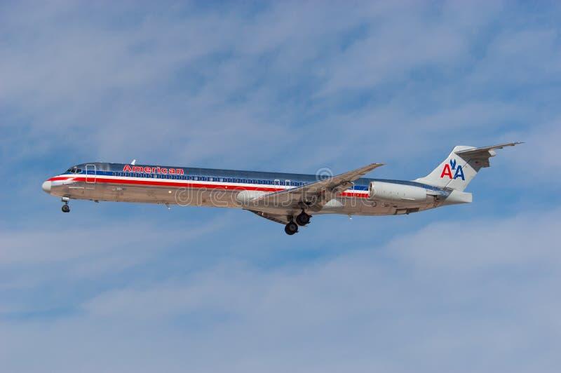Америкэн эрлайнз McDonnell Douglas MD-82 стоковое фото rf