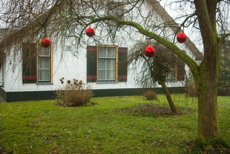Амерсфорт, Нидерланд - 2008-12-16 красных baulbs как рождество декабрь стоковое изображение