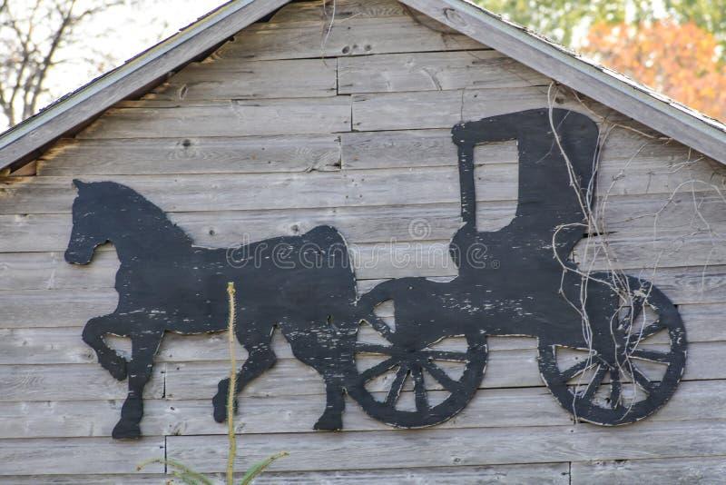 Амишский конь и Бугги Силуэт стоковые фотографии rf