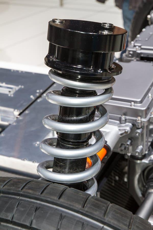 Амортизирующая пружина автомобиля стоковое фото rf