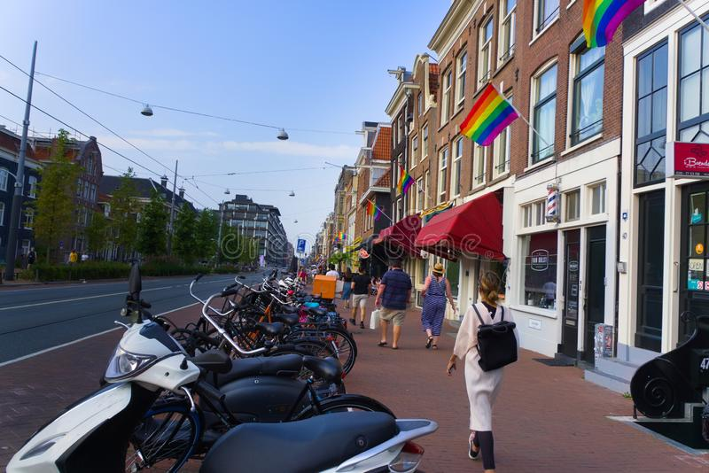 27-07-2019 Амстердам нидерландский гей-парад Амстердам 2019 предусматривал во флагах радуги стоковые изображения