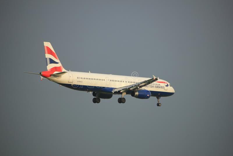 Амстердам, Нидерланды - 22-ое июня 2017: Аэробус A321 G-EUXJ British Airways стоковое фото
