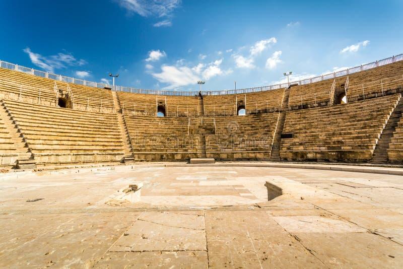 Амфитеатр в национальном парке Cesarea, Израиле стоковые изображения rf