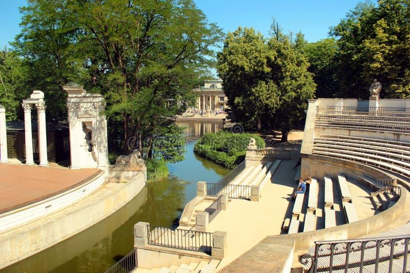 Амфитеатр в парке Lazienki в Варшаве, Польше стоковое изображение