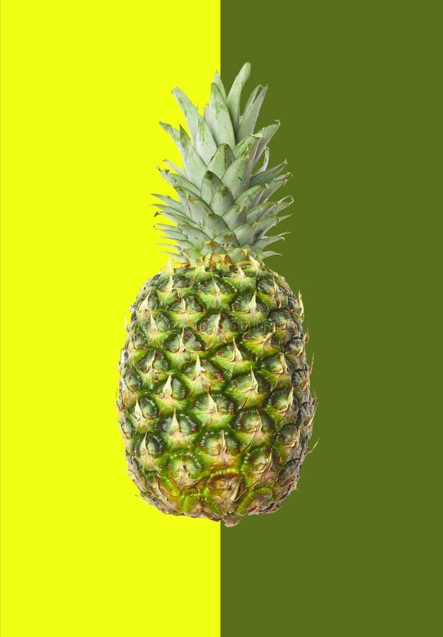Ананас, экзотический, зрелый плодоовощ, сочный, изолированная помадка, белизна, bac стоковое изображение