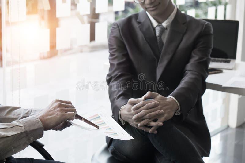 Анализировать советника дела финансовый стоковое изображение rf