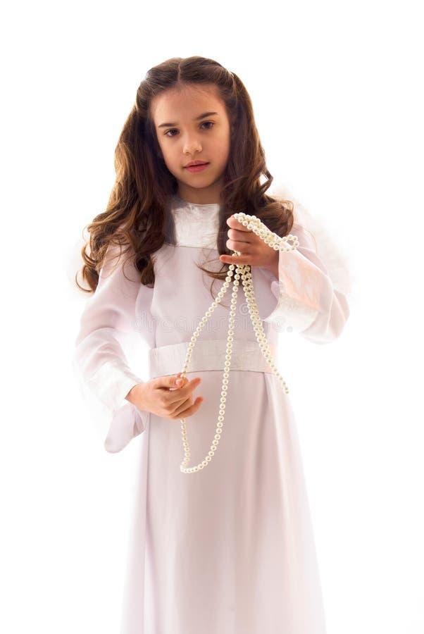 ангел меньший портрет перлы ожерелья стоковые фотографии rf