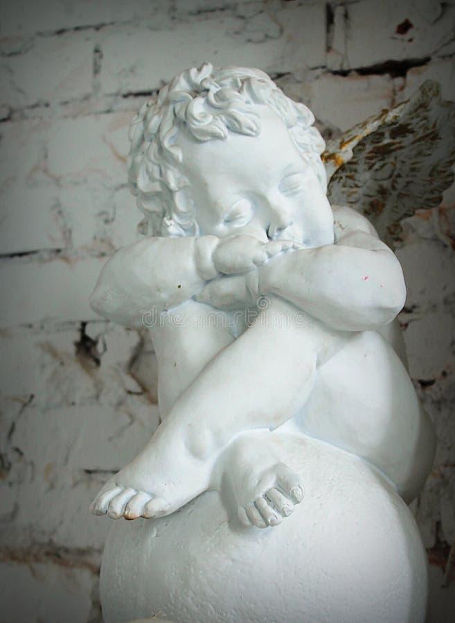 ангел керамический стоковое изображение rf