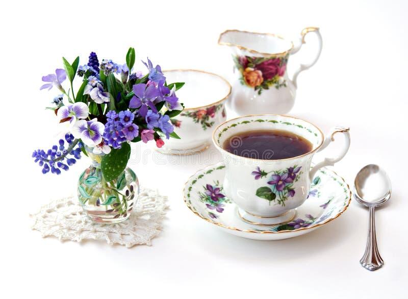 английский чай сада стоковое изображение rf