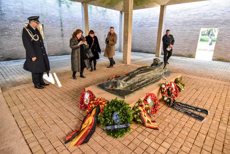 Download Англо-германское обслуживание день памяти погибших в первую и вторую мировые войны Редакционное Фотография - изображение: 103718397