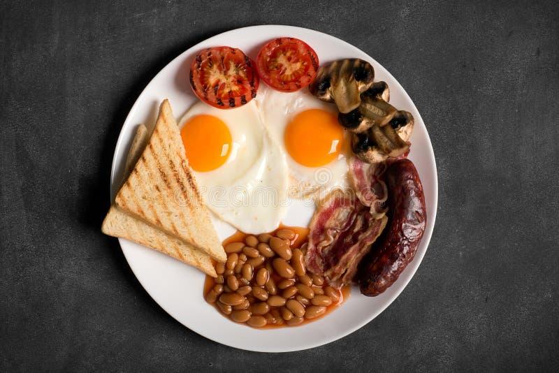 Английский завтрак на черной доске, космос экземпляра стоковая фотография rf