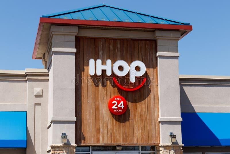Андерсон - около апрель 2018: Международный дом блинчиков IHOP сеть ресторанов предлагая разнообразие завтракам II стоковое изображение rf