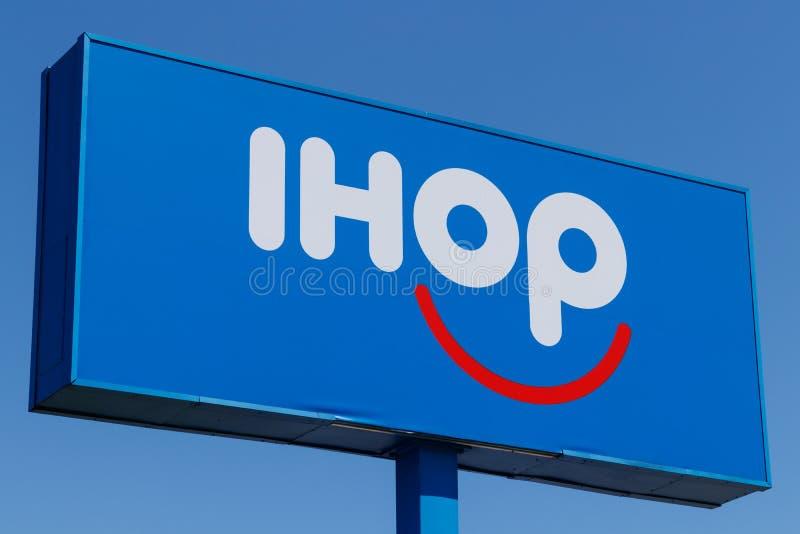 Андерсон - около апрель 2018: Международный дом блинчиков IHOP сеть ресторанов предлагая разнообразие завтракам i стоковое фото