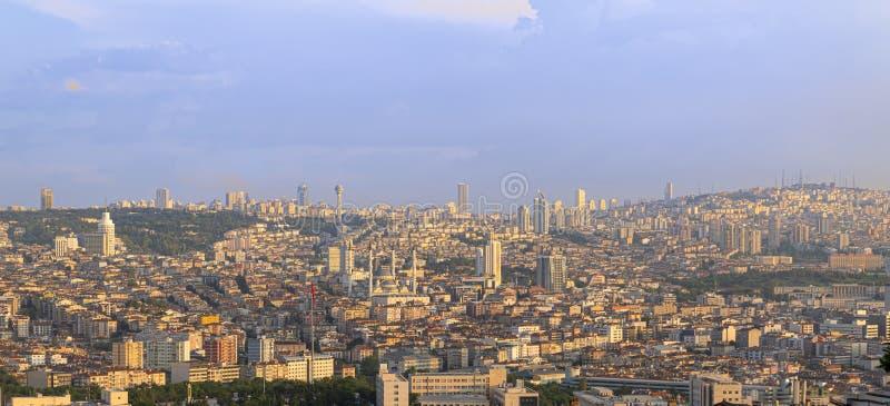 Анкара/Турция 16-ое июня 2019: Панорамный взгляд Анкара с мечетью Kocatepe и гостиницой Sheraton в Cankaya стоковые фото