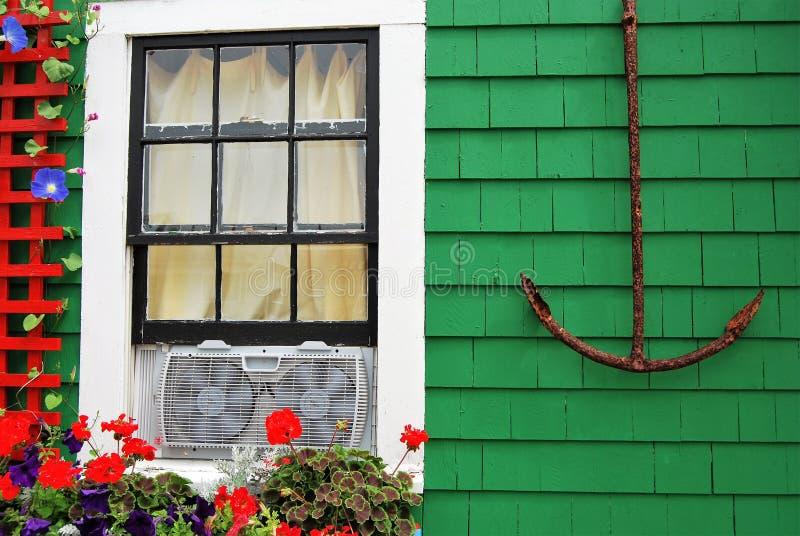 Анкер и цветки стоковая фотография rf