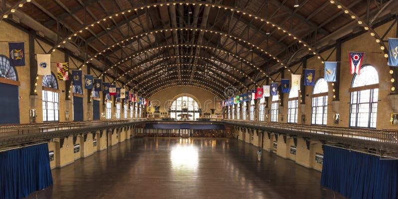 АННАПОЛИС, МЭРИЛЕНД - 9-ое апреля 2018 - Dahlgren Hall на кампусе Соединенных Штатов военноморских 50, Аннаполис стоковая фотография