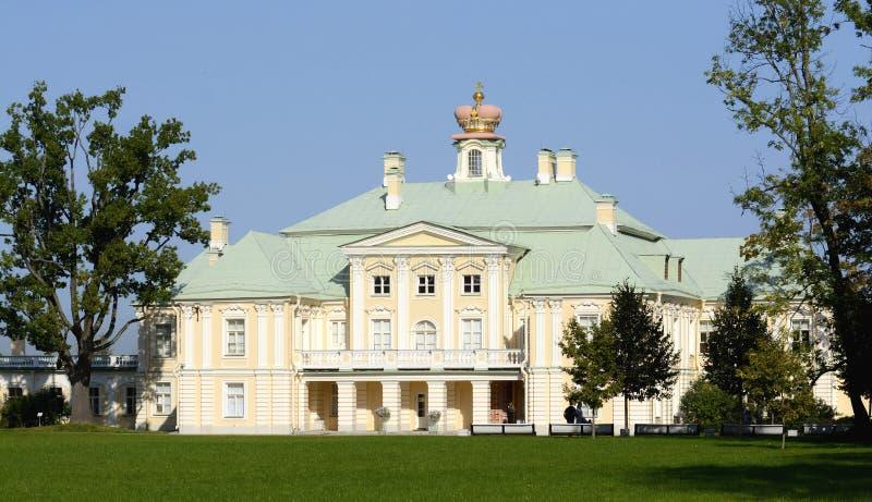Ансамбль дворца и парка в Oranienbaum уникальный художественный памятник Коттедж императрицы Катрин II r стоковые изображения rf