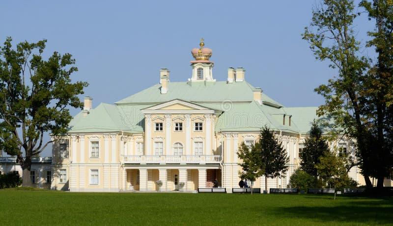 Ансамбль дворца и парка в Oranienbaum уникальный художественный памятник Коттедж императрицы Катрин II r стоковое изображение rf