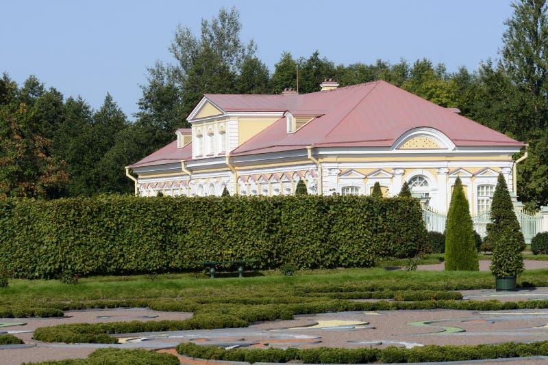 Ансамбль дворца и парка в Oranienbaum уникальный художественный памятник Коттедж императрицы Катрин II стоковая фотография rf