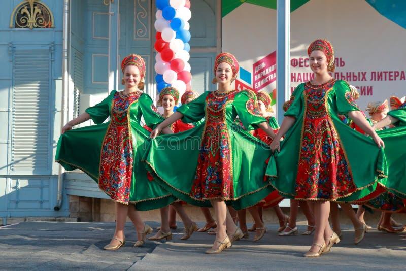 Ансамбль народного танца Topotukha от Pyatigorsk, России стоковое изображение rf