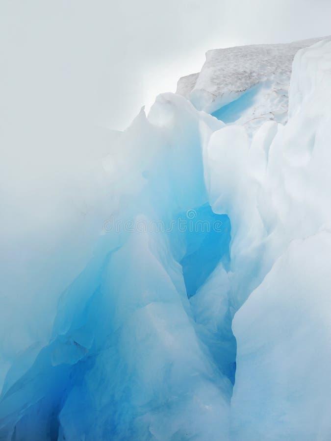 Антартические пещеры льда, голубой ледник стоковая фотография rf