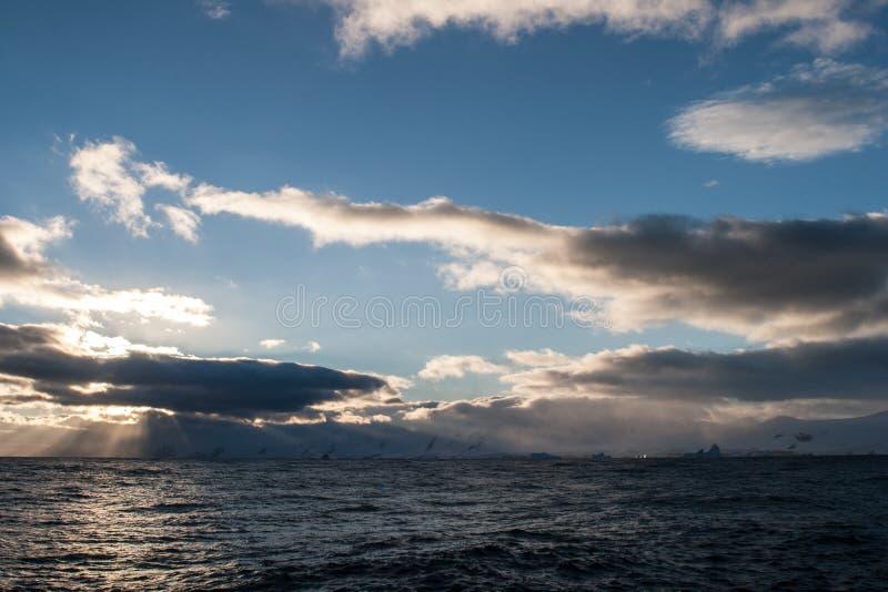 Антартический заход солнца 2 стоковые фотографии rf