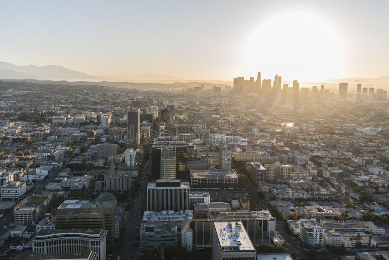 Антенна Лос-Анджелеса рано утром стоковые фотографии rf