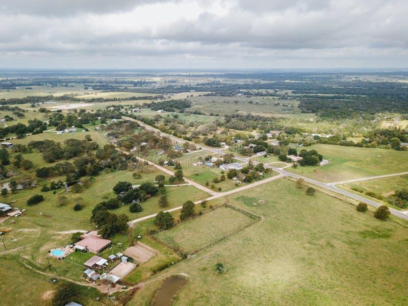 Антенна малого сельского городка Sommerville, Техаса затем в пари стоковые изображения