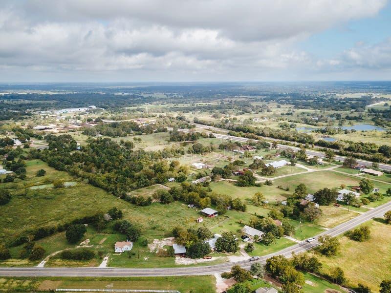 Антенна малого сельского городка Sommerville, Техаса затем в пари стоковая фотография