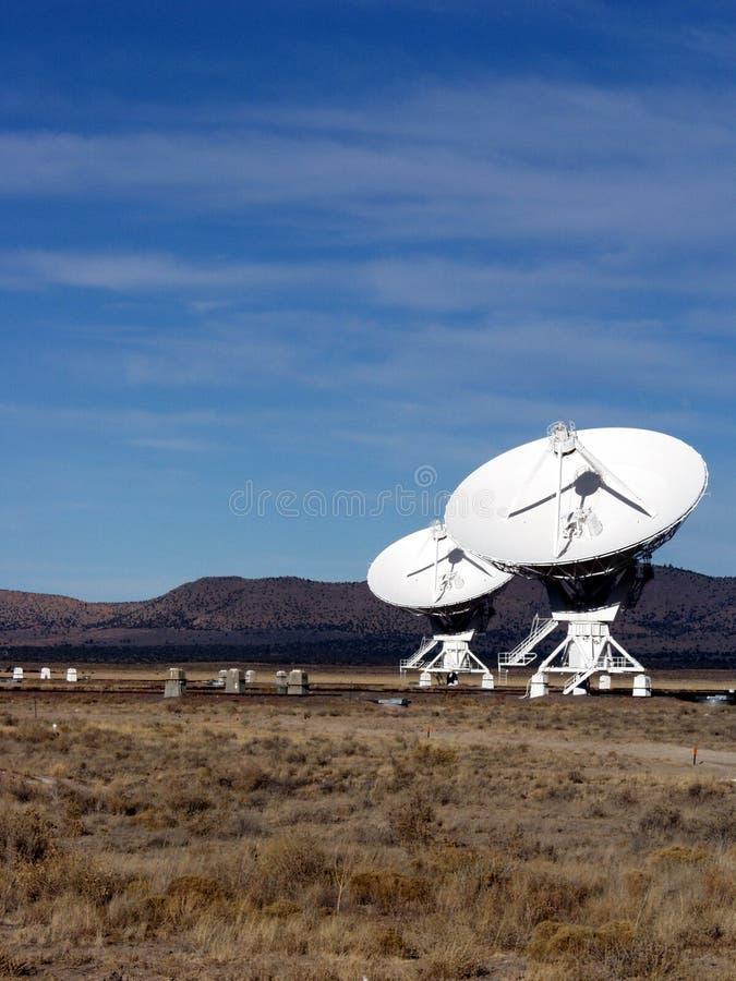 Антенна - очень большой телескоп радио 3 блока стоковые фото