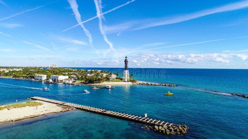 Антенна пункта маяка в пляже Pompano, Флориде, США стоковое фото