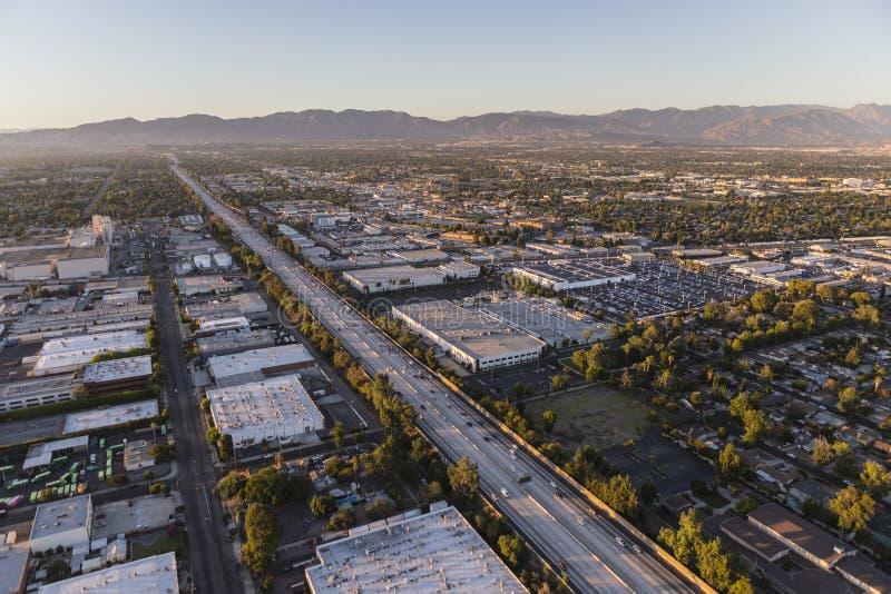 Антенна скоростного шоссе Сан-Диего 405 в San Fernando Valley стоковое изображение