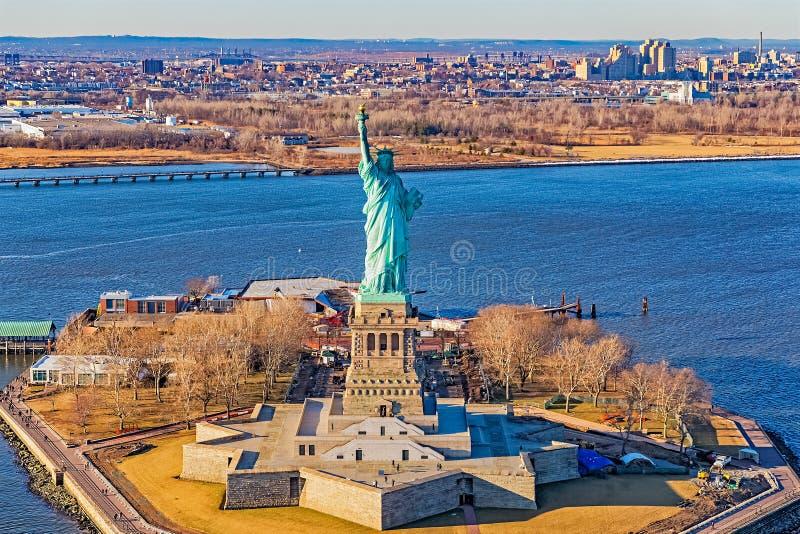 Антенна статуи свободы Нью-Йорка стоковое фото