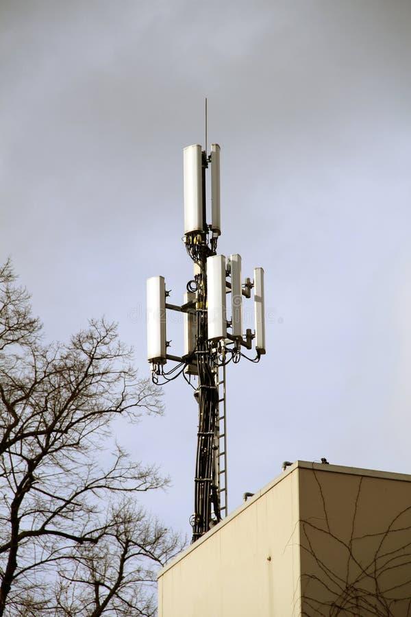 Антенны для мобильной телефонии стоковые фотографии rf