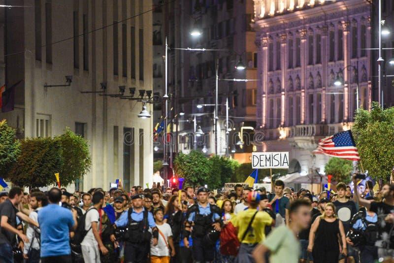 Антипровительственный протест в Бухаресте - 12-ое августа 2018 стоковое фото