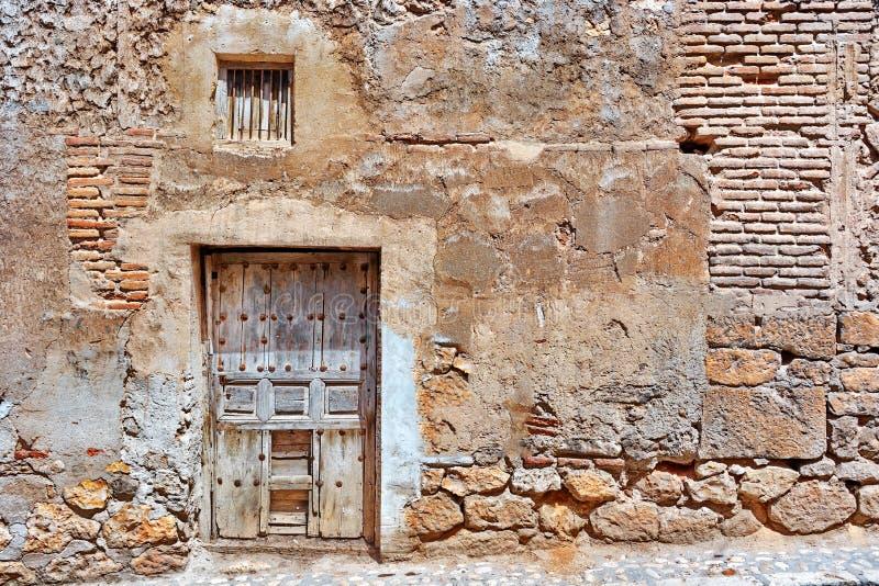 античная дверь стоковое изображение rf