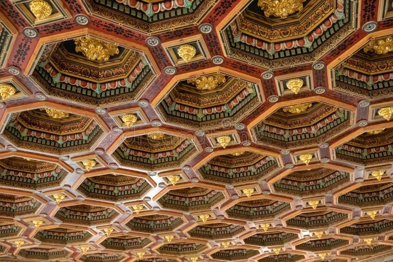 Античная деревянная текстура потолка ornamentet стоковая фотография