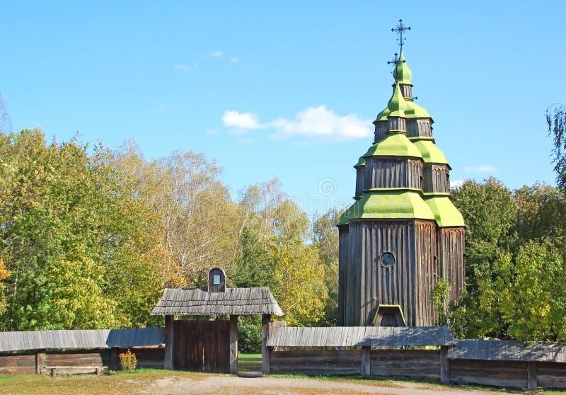 античная церковь деревянная стоковое изображение rf
