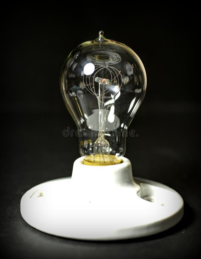Античная электрическая лампочка Edison стоковые изображения rf